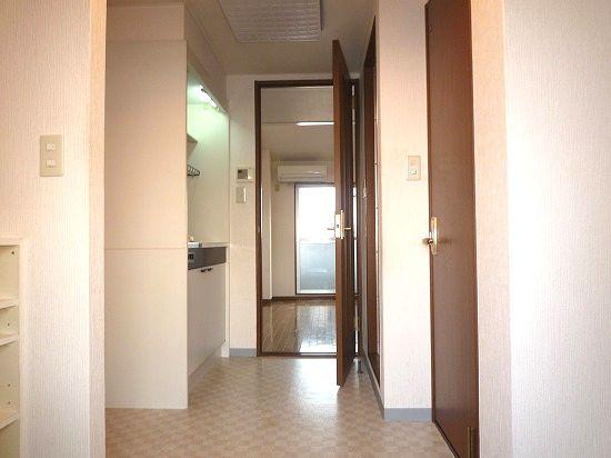 オートロック、エレベーター付きの駅近物件!! 00724 ソレアード山川