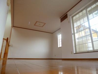 閑静な住宅地です♪♪メゾネットの3LDK♪ 00517 サニーガーデン