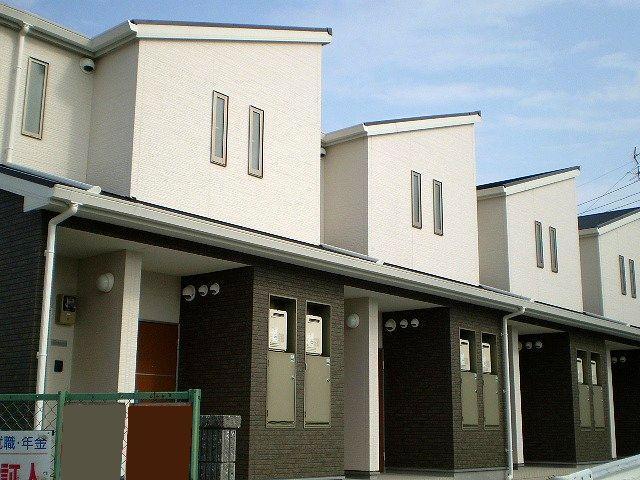 2010年築 オシャレな外観  アスピリア古池 2F