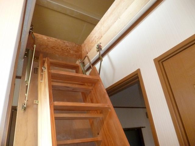 オール電化の戸建です!設備も充実してます♪ 15556 伊賀6丁目貸家