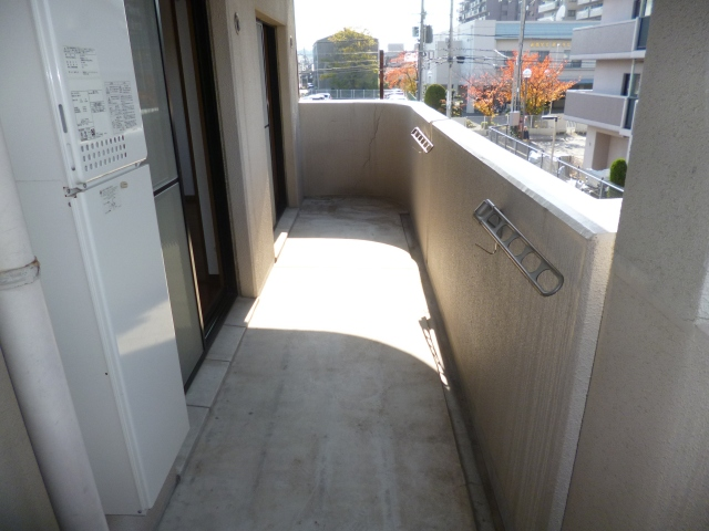 扉を開けると、広々2LDKとしても、使えますよ♪ 02052 メゾンフロレスタ