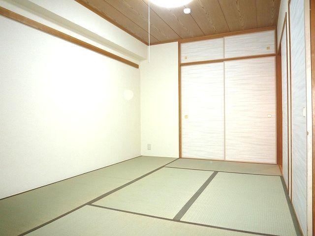 駐車場1台無料!広々バルコニー、日当り最高 15169 ロイヤルハイツ藤井寺