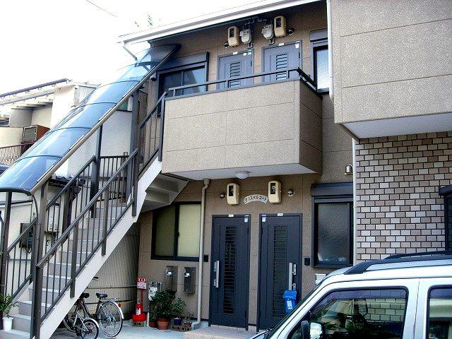 駅まで徒歩圏内のセパレート物件!! クリスタルコート