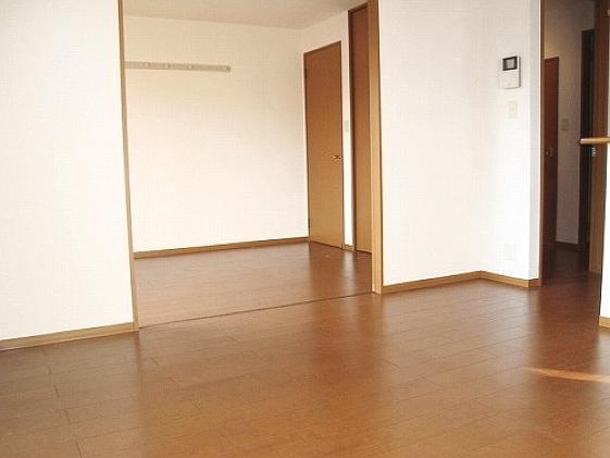 収納広々(W-CL)のオール洋室2LDKです。 11411 ソシア城山A
