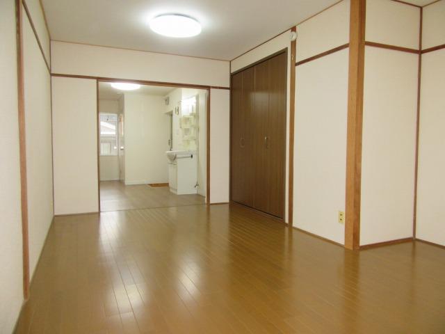 築年数は経ちますが広〜い部屋です♪ 17850 羽曳山第2サンハイツ